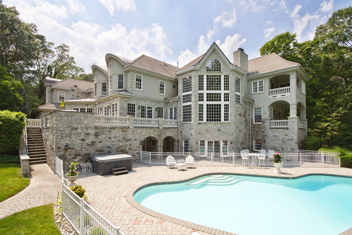 Luxury Homes And Properties Make An Impression